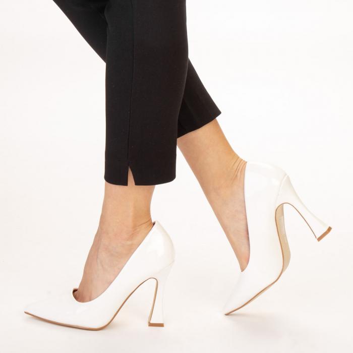 Pantofi dama Wanda albi 2