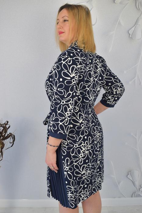 Rochie bleumarin cu maneci trei sferturi si imprimeu floral 2