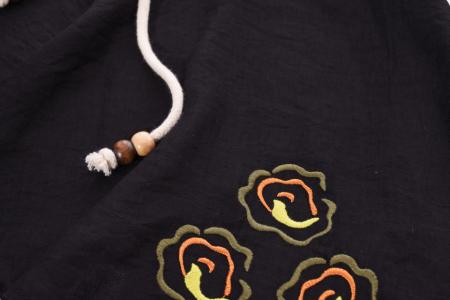 Bluza neagra asimetrica cu maneci evazate2