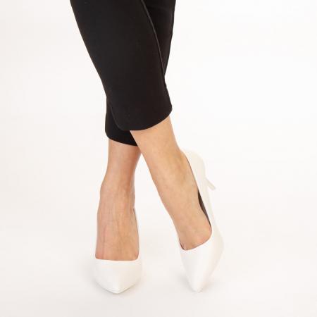Pantofi dama Delora albi1