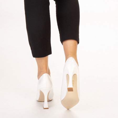 Pantofi dama Wanda albi3