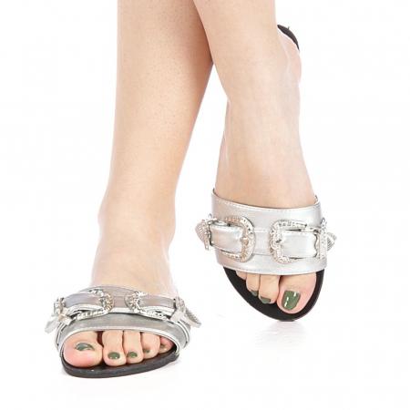Papuci dama Guncan argintii1