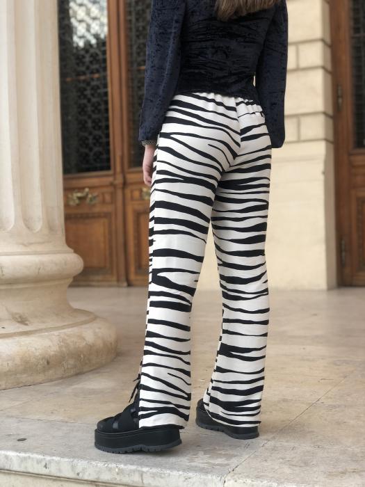Pantaloni Sage Satinati cu imprimeu zebra [3]