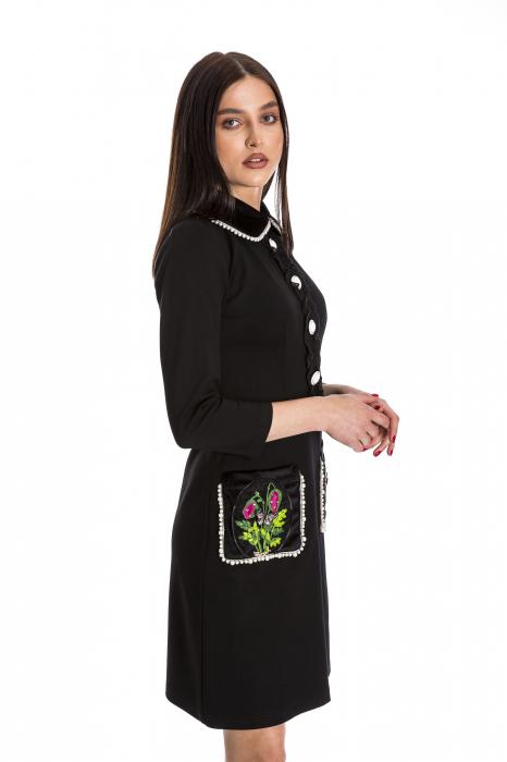 Rochia Maria neagra cu guler din catifea si perlute [2]