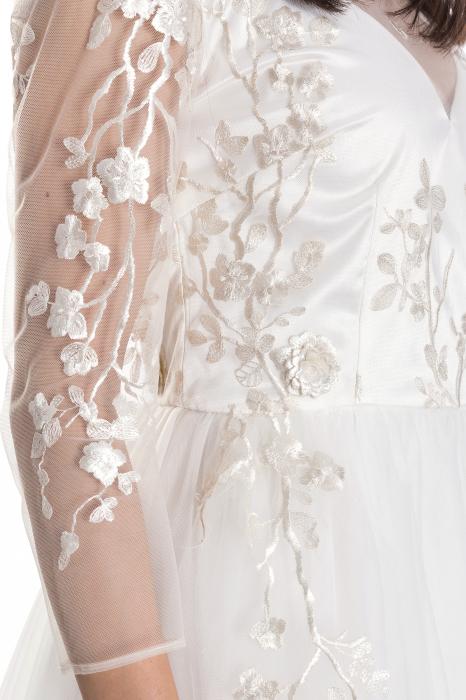 Rochie Grace cu aplicatii cu motive florale 3D [4]