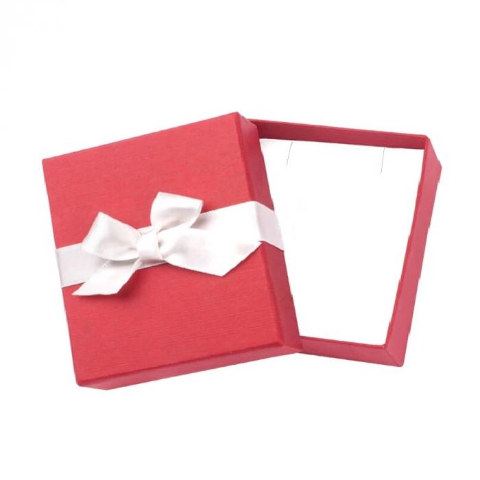 Cutiuta patrata rosie pentru bijuterii 81012 0