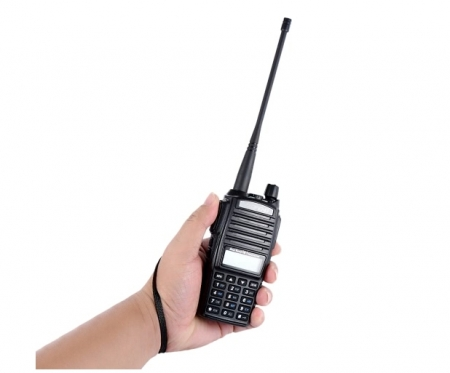 Set 3 statii UV- 82 walkie talkie transiever, 5 W,  dual band VHF, UHF, 2800 mAH , radio FM2