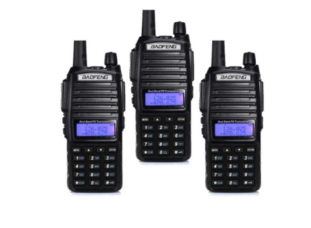 Set 3 statii UV- 82 walkie talkie transiever, 5 W,  dual band VHF, UHF, 2800 mAH , radio FM0