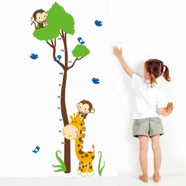 Autocolant masurator inaltime - copac cu girafa si maimute - grafic de crestere 2