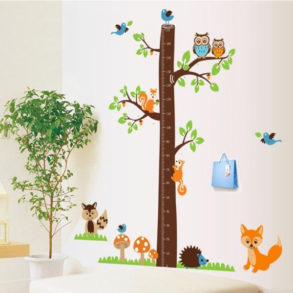 Autocolante camere bebelusi - Masurator de inaltime - Copacul din padure 2