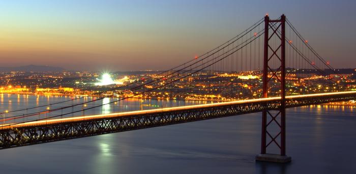 Fototapet Urban - Lisabona la amurg [0]
