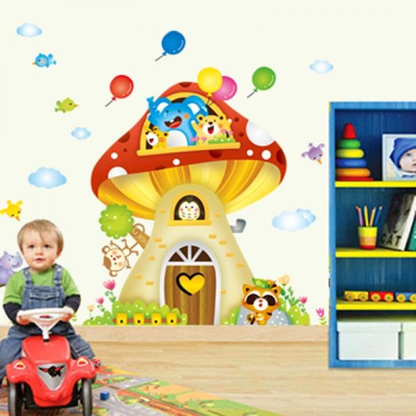 Sticker camere copii - Casuta din ciuperca 1