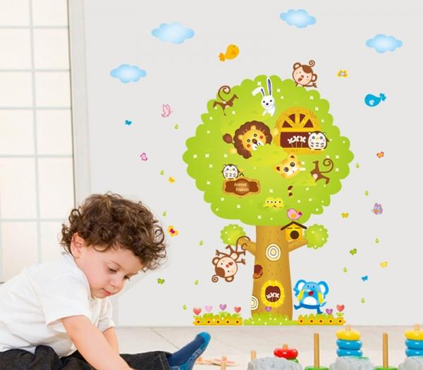 Sticker camere copii - Copacul Urias 1