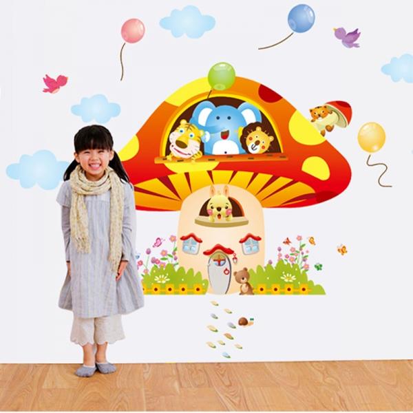 Sticker camere copii - Ciuperca uriasa 2