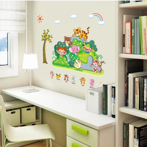 Sticker perete copii - Tufisul verde cu animalute 0