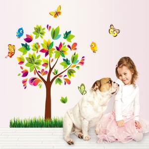 Autocolant de perete pentru copii - Copacelul fermecat1