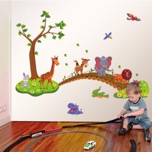 Autocolant de perete pentru copii - Podul cu animale0