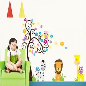 Autocolant decorativ - Copac carliontat si animalute0