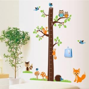 Autocolante camere bebelusi - Masurator de inaltime - Copacul din padure2