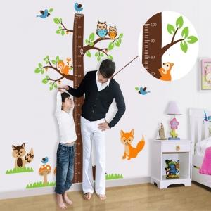 Autocolante camere bebelusi - Masurator de inaltime - Copacul din padure1