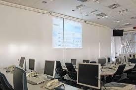 Folie autocolanta de tip whiteboard - ideal pentru proiectii - culoare alba - 137x100 cm4