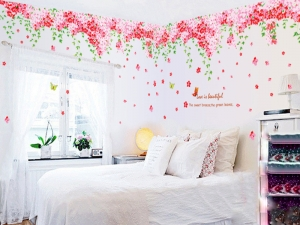 Sticker decorare camera - Flori de cires roz si fluturi5