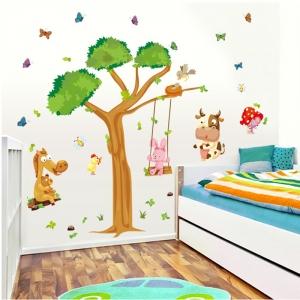 Sticker decorativ copii - Joaca in padure1