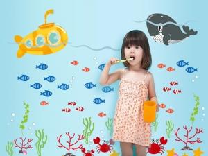Sticker pentru camere bebelusi - Submarinul galben4