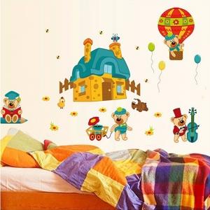 Sticker perete copii - Ursuleti in actiune2