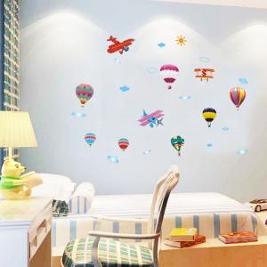 Sticker perete pentru camera copilului - Baloane si avioane1
