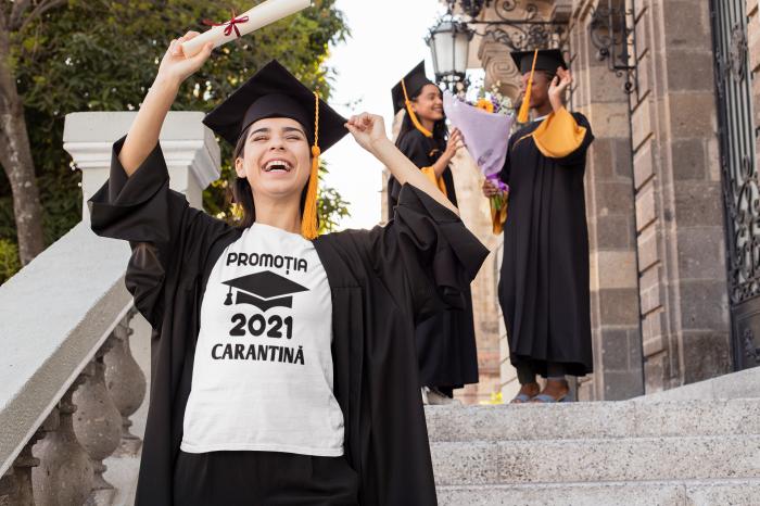 Tricou personalizat cu mesaj -  Absolvent 2021 Carantina [2]
