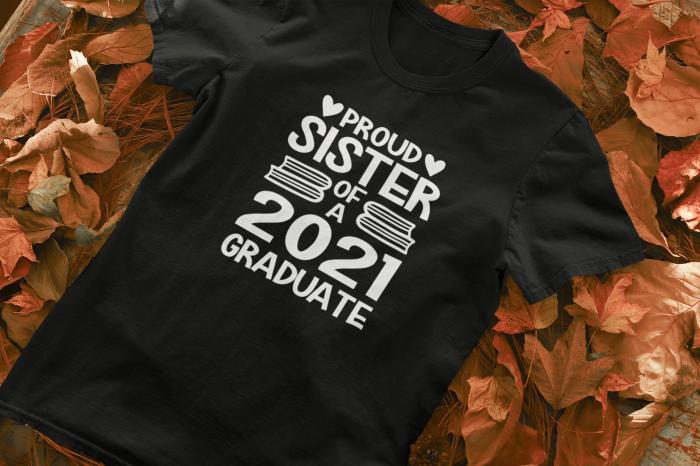 Tricou personalizat cu mesaj - Proud Sister of a Graduate [4]