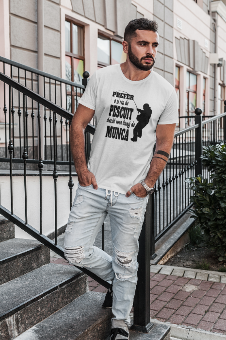 Tricou personalizat cu mesaj - Pescar 4 - Prefer o zi de pescuit 0