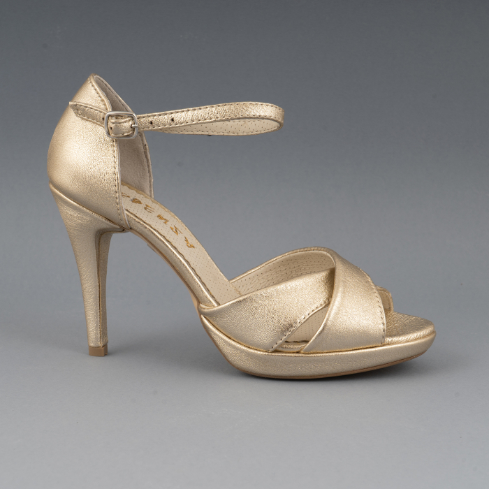 Sandale cu platforma, din piele laminata aurie 0