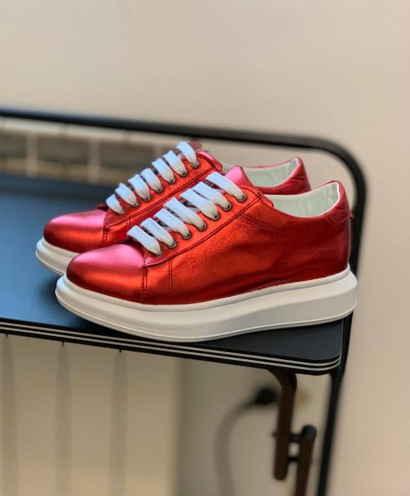 Pantofi cu talpă groasă realizati din piele naturala rosu metalizat 1
