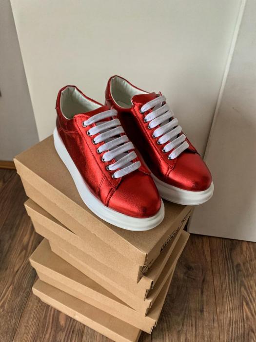 Pantofi cu talpă groasă realizati din piele naturala rosu metalizat 2