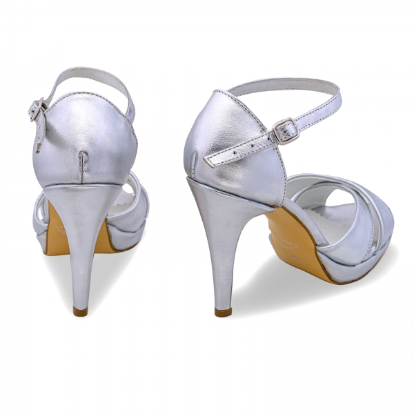 Sandale cu platforma, din piele laminata argintie 2