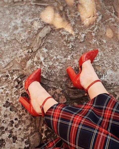 Pantofi din piele naturala rosu croco 1