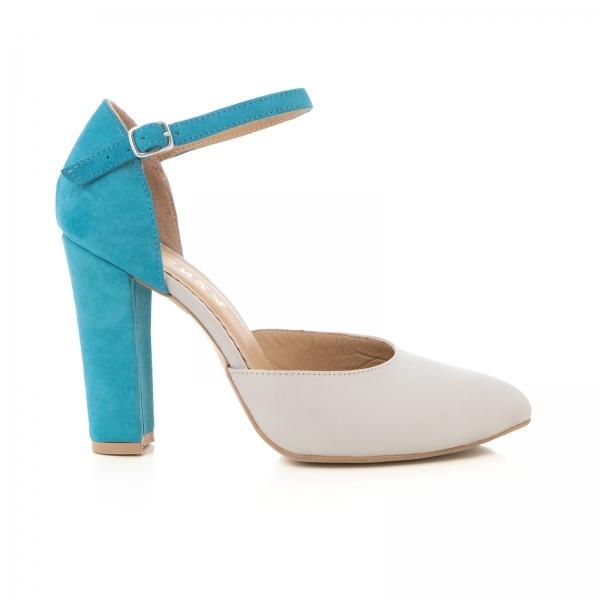 Pantofi din piele intoarsa albastru deschis si piele gri deschis, cu varf ascutit si decupaj interior si exterior 0