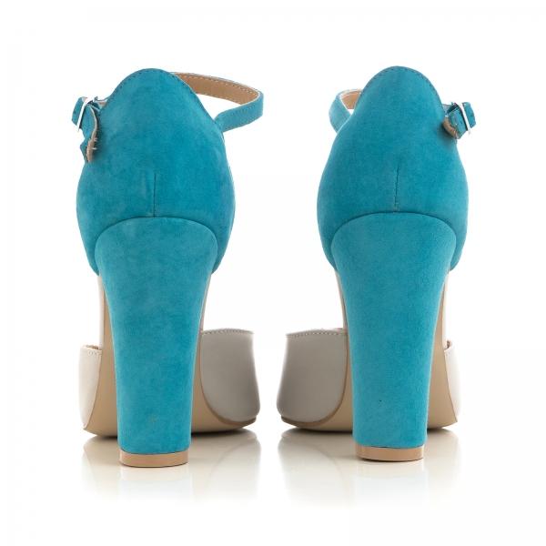 Pantofi din piele intoarsa albastru deschis si piele gri deschis, cu varf ascutit si decupaj interior si exterior 2