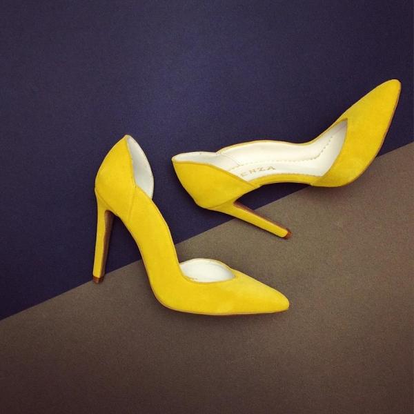Pantofi stiletto din piele intoarsa galbena 0