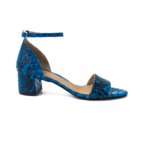Sandale din piele albastra lacuita 0