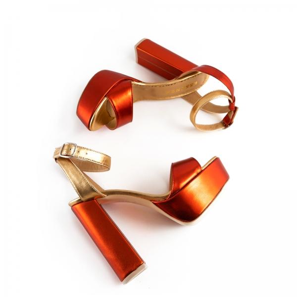 Sandale din piele laminata portocaliu intens si auriu, cu toc gros patrat si platforma [2]