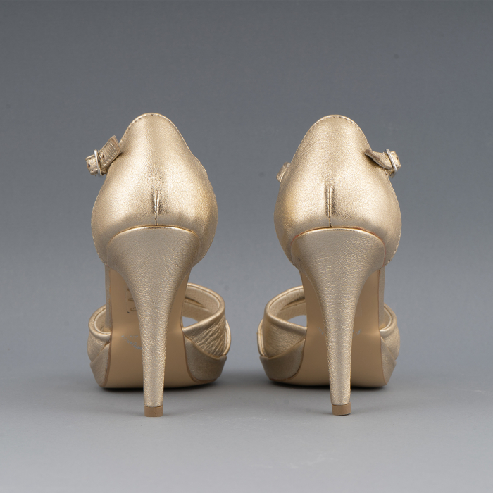 Sandale cu platforma, din piele laminata aurie 2