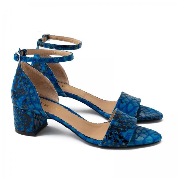 Sandale din piele albastra lacuita 1