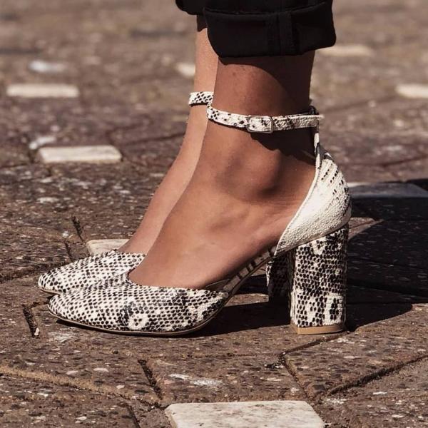 Pantofi decupati, din piele de sarpe, cu toc patrat 0