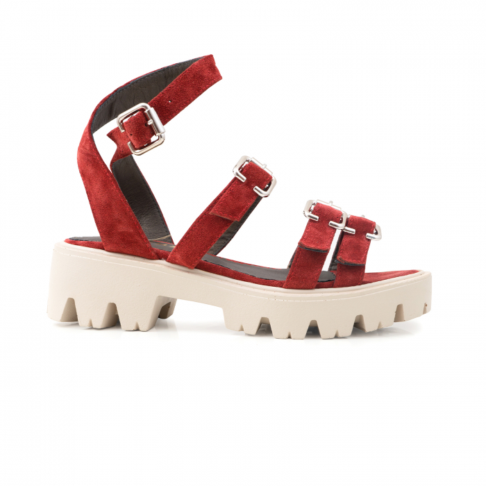 Sandale cu talpa groasa si barete cu catarame, din piele intoarsa rosu burgund. 0