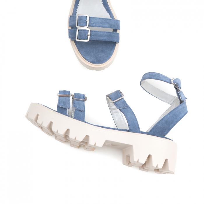Sandale cu talpa groasa si barete cu catarame, din piele intoarsa albastru seren 2