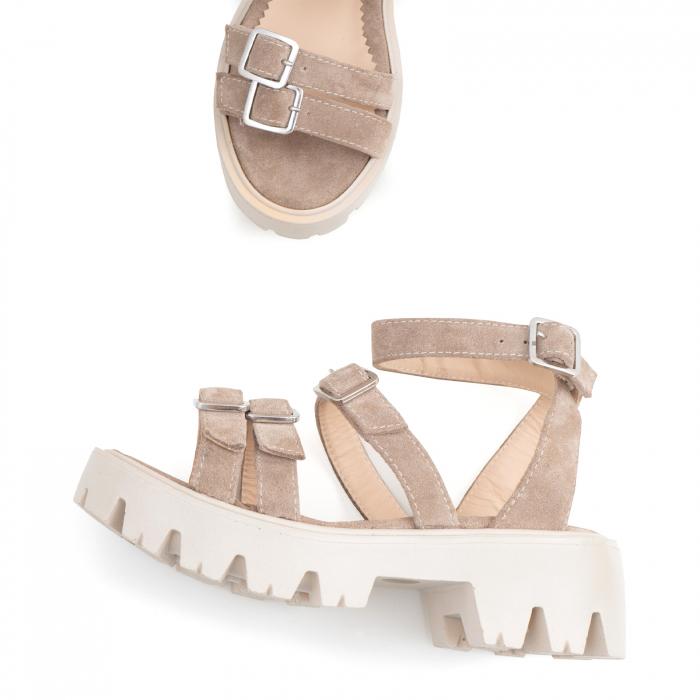 Sandale cu talpa groasa si barete cu catarame, din piele intoarsa camel 2