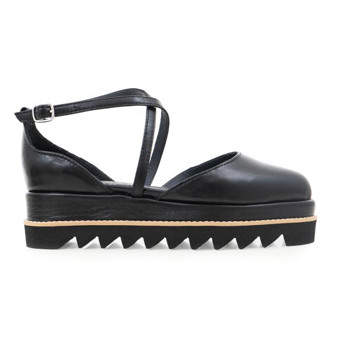 Pantofi decupati, din piele naturala neagra 0